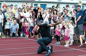 Bolt and fans
