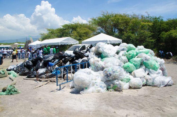 Garbage collected by the Jamaica Environment Trust volunteers at the 2012 beach clean-up. (Photo: JET website)