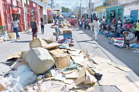 Downtown chaos. (Photo: Joseph Wellington, Jamaica Observer)