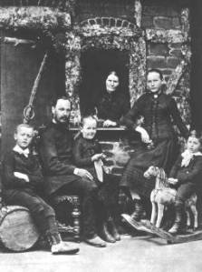 Hermann Hesse (left) and his family. (Photo: Suhrkamp Verlag, Berlin)