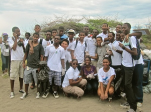 A large group of volunteers from St. George's College in Kingston. (My photo)