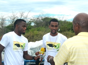 Earth Wise Recycling Jamaica gives an interview to Television Jamaica. This is a new company headed by young entrepreneurs. They took away all our recycled plastics at the end of the day. (My photo)