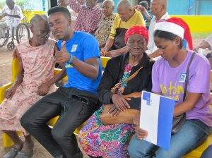 And then there was just the simple pleasure of hanging out together… The volunteer in blue T shirt is my friend Neville Charlton, and the lady in the red hat next to him is the lovely Dorothy.