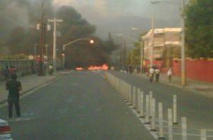 Residents set up a roadblock on Orange Street this evening. (Photo: Jamaica Observer)