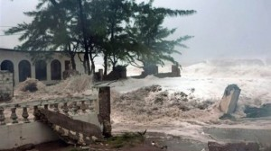 Storm surge during Hurricane Sandy in Jamaica. (Photo: Gleaner)