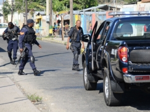 Police on the corner of North Street and Mark Lane where 32-year-old Omego Farquharson was shot by a gunman. (Photo: Ricardo Makyn/Gleaner)