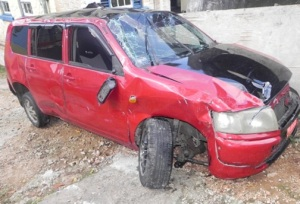 The car in which passenger Arnold Steer sustained injuries and died after it crashed in St. Ann. (Photo: Jamaica Observer)