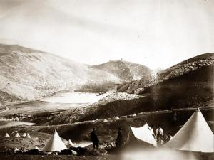Balaklava Harbor in the Crimean War. (Photo: Roger Fenton. www.old-picture.com)