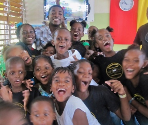 Randy McLaren with a whole set of new fans at the Trench Town Reading Centre's 20th anniversary celebrations last year. (My photo)