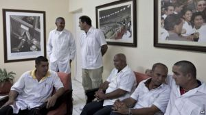 The first batch of Cuban doctors arrived in Conakry, Guinea this week. (Photo: Voice of America)