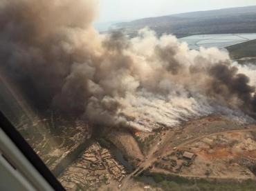 An aerial photograph of the Riverton City dump fire in 2015, taken by William Mahfood. (Twitter)