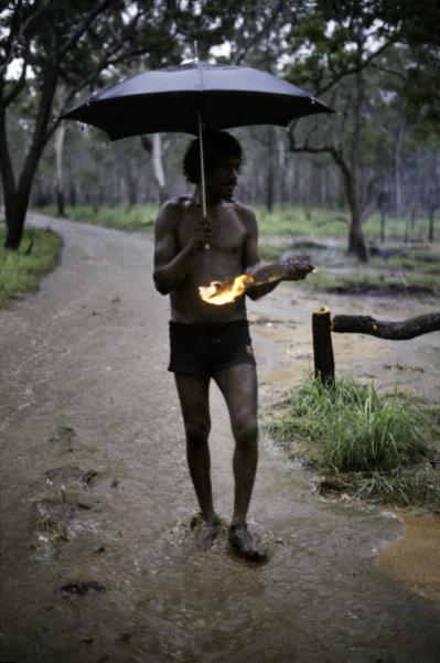 01614_05, northern territory, Australia, 1984, Aboriginal with umbrella Retouched by Ekaterina Savtsova 04/11 2014