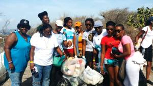 Nuh Dutty Up Jamaica: Members of WE-Change turned out and worked hard at the recent International Coastal Cleanup at Fort Rocky. (Photo: Facebook)