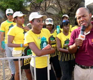 The media were all there - including the ubiquitous Dervan Malcolm of Power 106 FM with his roving microphone. Here he is waxing lyrical! While Nuh Dutty Up Jamaica Ambassador and comedian Bella Blair watches in amusement.