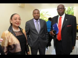 Chief Medical Officer Dr. Marion Bullock DuCasse, Permanent Secretary Dr. Kevin Harvey and (former) Minister of Health Fenton Ferguson before a press briefing recently. (Photo: Gleaner)