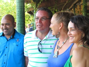 (left to right) Dr. Dayne Buddoo, Minister Daryl Vaz, Francesca von Habsburg and the Minister's wife Annmarie Vaz. (My photo)
