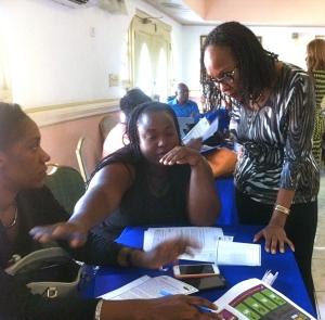 Professor Rosalea Hamilton guides a discussion in Savannah-la-Mar. (Photo: 51% Coalition)