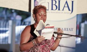 Jamaican poet Tanya Shirley reads at Kingston Book Festival 2013. (Photo: susumba.com)