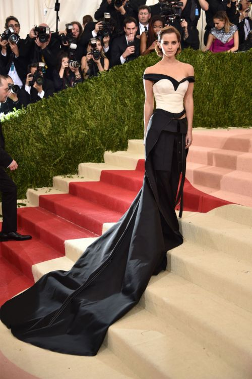 "Glamorous recycling: Actress Emma Watson arrives at the Metropolitan Museum of Art Costume Institute Gala (Met Gala) to celebrate the opening of ""Manus x Machina: Fashion in an Age of Technology"" in New York. Her gown, created by Calvin Klein and Eco Age, is made entirely of recycled plastic bottles.""Plastic is one of the biggest pollutants on the planet,"" Emma wrote in a Facebook post explaining her look.""Being able to repurpose this waste and incorporate it into my gown for the ‪‎MetGala‬ proves the power that creativity, technology and fashion can have by working together.""(Photo: REUTERS/Lucas Jackson)"