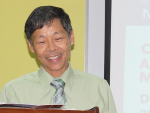 Dr. Clive Lai told us about the Jamaica Midlife Health Society. (My photo)