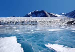 Antarctica has passed a frightening milestone. (Photo: climatecentral.org)