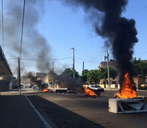 Protests on Spanish Town Road in downtown Kingston last Thursday. (Photo: Twitter)