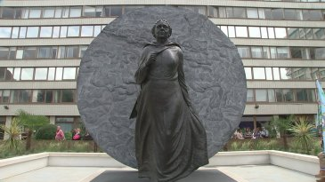 This quite splendid bronze statue of Jamaican Mary Seacole was unveiled on June 30 at St. Thomas' Hospital in London, after years of campaigning and fund-raising by the Black British community. For some reason this did not cause much of a stir in Jamaica. This is the first statue of a black woman in the UK, and I think we should be proud!