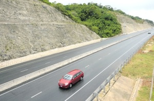 The North-South Highway, built by China Harbour Engineering Company, is likely to be emptier than ever if toll rates go up. (Photo: Joseph Wellington/Jamaica Observer)