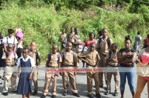 Schoolchildren were stranded along several roads in eastern Jamaica yesterday on the first day of school. Gee thanks, taxi drivers! (Photo: Jamaica Observer)