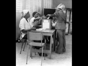 Voting in the 1980 election, which was marred by violence among politically motivated gangs. (Photo: Gleaner)
