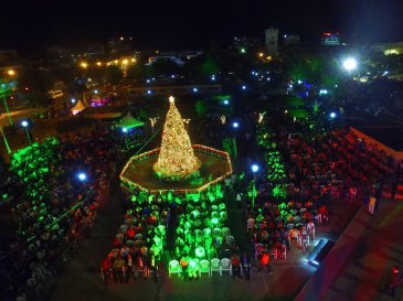 Christmas tree lit: A Jamaica Gleaner photo of the Christmas tree in St. William Grant Park in downtown Kingston, tweeted by Prime Minister Andrew Holness.