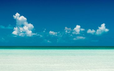 Perfect shallow sea: Taylor Bay, Turks & Caicos (Photo: gracebaycottages.com)