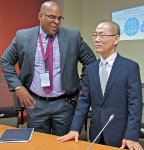 Chair of the IPCC Dr. Hoesung Lee (right) chats with Senior Climate Change Specialist at the Inter-American Development Bank Gerard Alleng. (My photo)