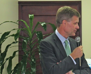 Erik Solheim: Sometimes we get too preoccupied with the little things. We need to focus on the big issues. (My photo)
