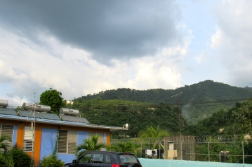 The Hope Institute Hospital in Elletson Flats, St. Andrew. (My photo)