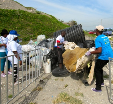 Piling up garbage at International Coastal Cleanup Day 2016, Palisadoes Beach. (My photo)