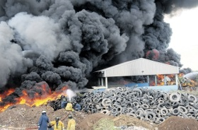 A fire at the Riverton City dump. When is the proposed waste to energy project going to come on stream? (Photo: Jamaica Observer)