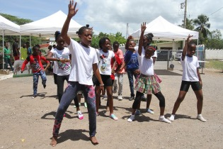 The energetic students do a dance routine. (Photo: NHMJ)